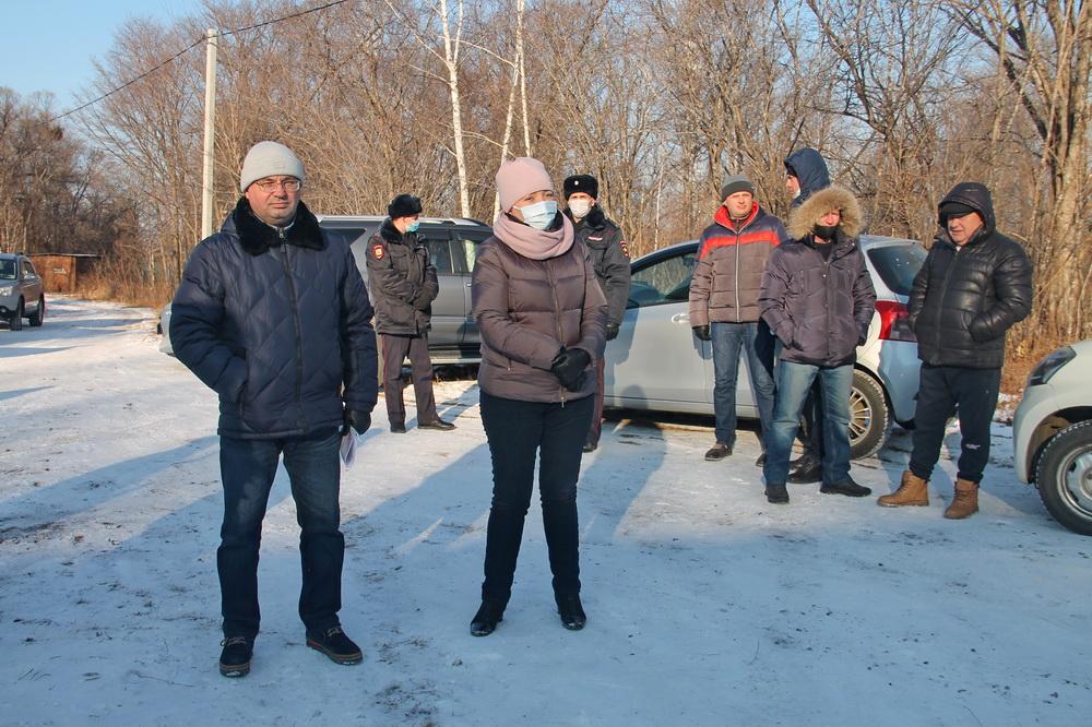 Руководители Биробиджанского района и Птичнинского поселения почтили жителей Раздольного своим присутствием на народном сходе