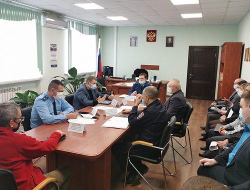 Ситуацию с транспортным обслуживанием биробиджанского медгородка рассмотрели на совещании в прокуратуре города