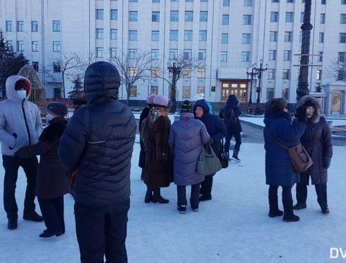 Власти Хабаровска поспешили сообщить о прекращении митингов в поддержку Фургала. Но протестующие всё равно пришли на площадь Ленина