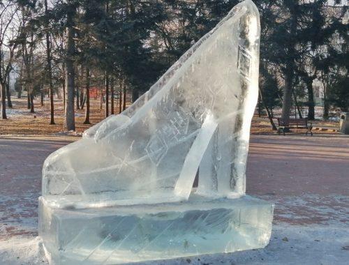 «Зимняя сказка» возле мэрии Биробиджана разочаровала горожан