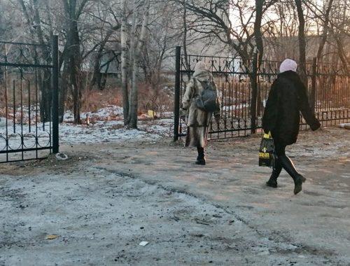 После публикации «Набата» восстановлен свободный проход около корпуса ПГУ на ул. Советской, 76