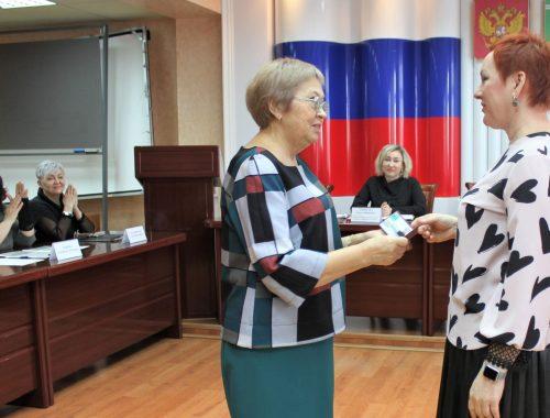 Мандат на 12 дней: Татьяна Гладких сложила полномочия депутата Заксобрания ЕАО от ЛДПР