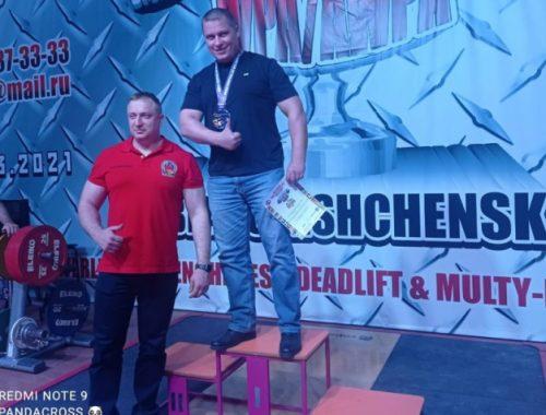 Силачи из полиции ЕАО победили в Чемпионате кубка мира по пауэрлифтингу, жиму лежа и становой тяге