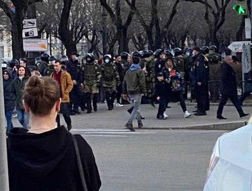 Общее число задержанных на акциях в поддержку Навального составило 1902 человека — ОВД-Инфо