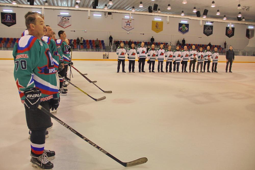 Дальневосточные ветераны хоккея сразились в Биробиджане