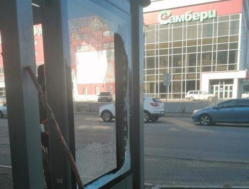 Что и следовало ожидать: в Биробиджане разгромили «умную» остановку на ул. Советской