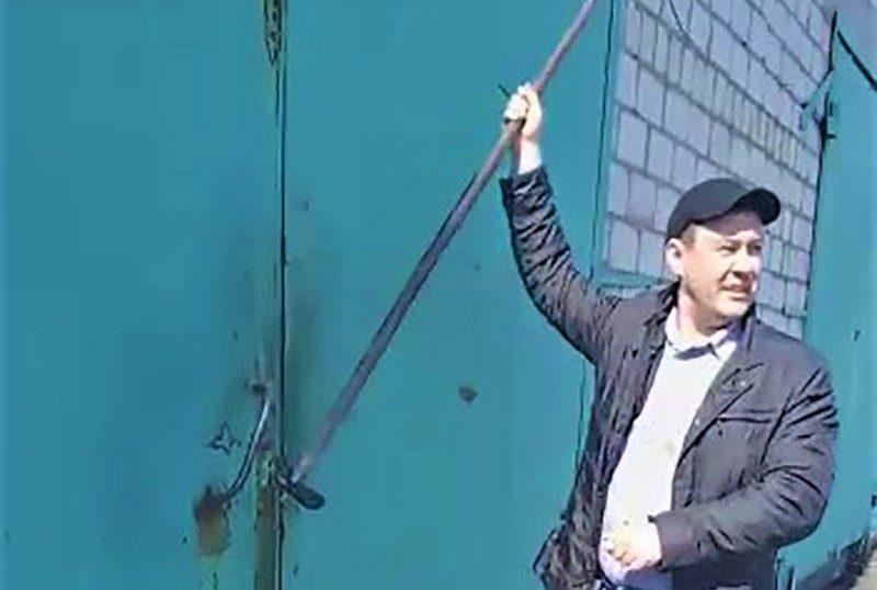 «Человек с копьём»: в Смидовиче чиновники провели «акцию устрашения» против предприятия ЖКХ якобы по заданию Ю.Трутнева