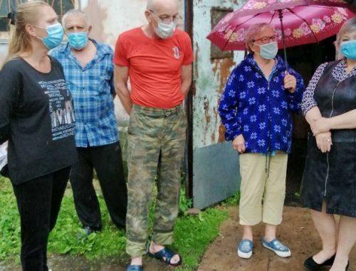 Жильцы аварийного многоквартирного дома в Биробиджане не остались у «разбитого корыта»
