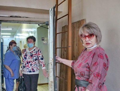 Инвалиды по зрению в Биробиджане опасаются изменения маршрута в профильный стационар