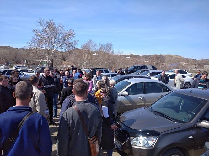 В Оренбуржье поминки погибшего шахтёра превратились в стихийный митинг