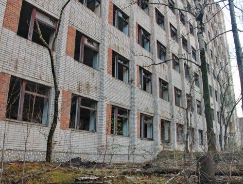 От биробиджанского авторемонтного завода остались грязные развалины
