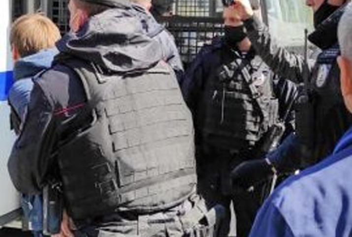 Полицейщина набирает обороты: в Москве задержали коммунистов, отмечавших Первомай