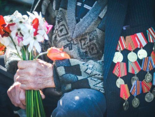Выплаты ветеранам в России оказались во много раз меньше, чем в Казахстане и Узбекистане