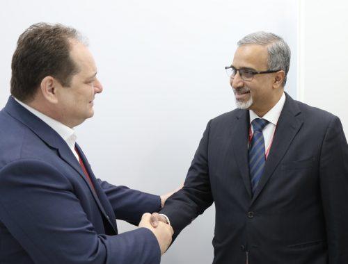 На Петербургском форуме губернатор ЕАО поговорил об инвестициях с послом Индии