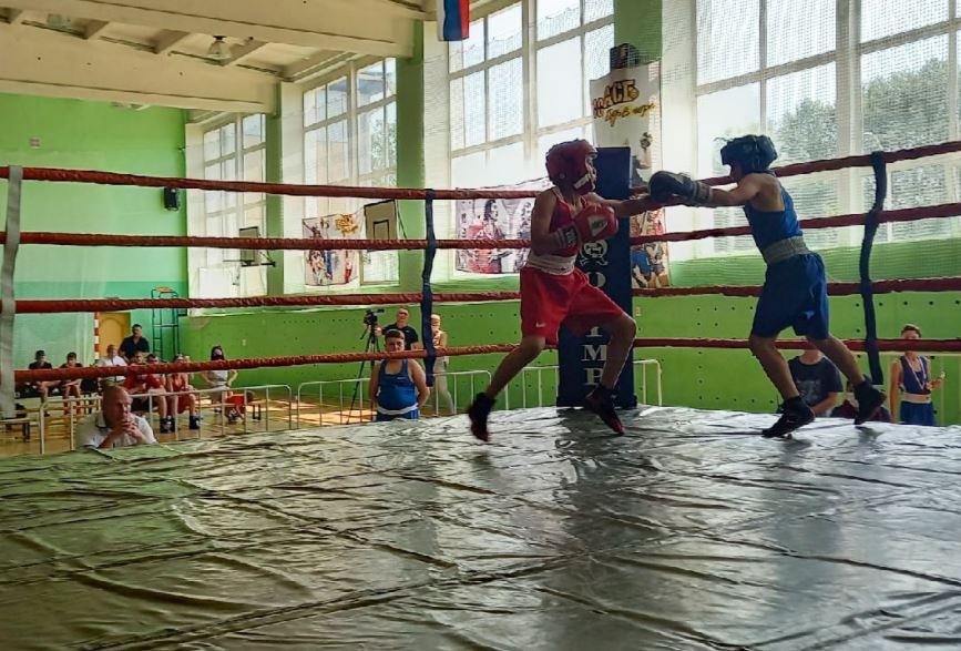 57 юных спортсменов приняли участие в соревнованиях по боксу в ЕАО