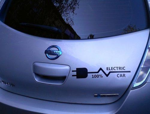 Пересадить россиян на электромобили за 20 лет собрались власти страны