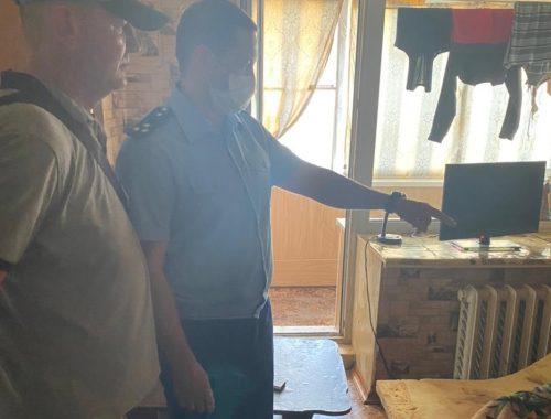 В Биробиджане по горячим следам задержали мужчину, обвиняемого в убийстве сожительницы