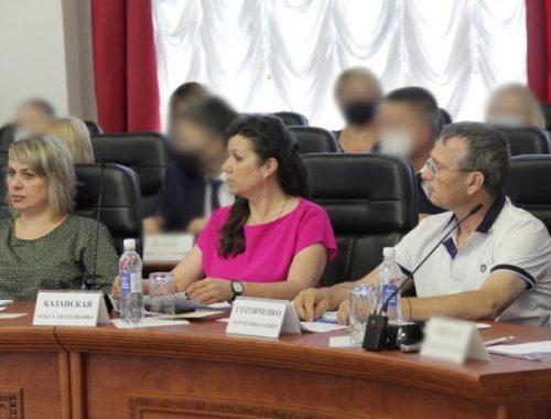 «Спасите область от разрухи»: жители ЕАО обратились за помощью к Владимиру Жириновскому